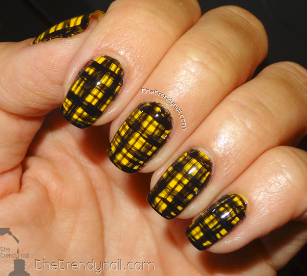 Plaid-Nails--Versace-1