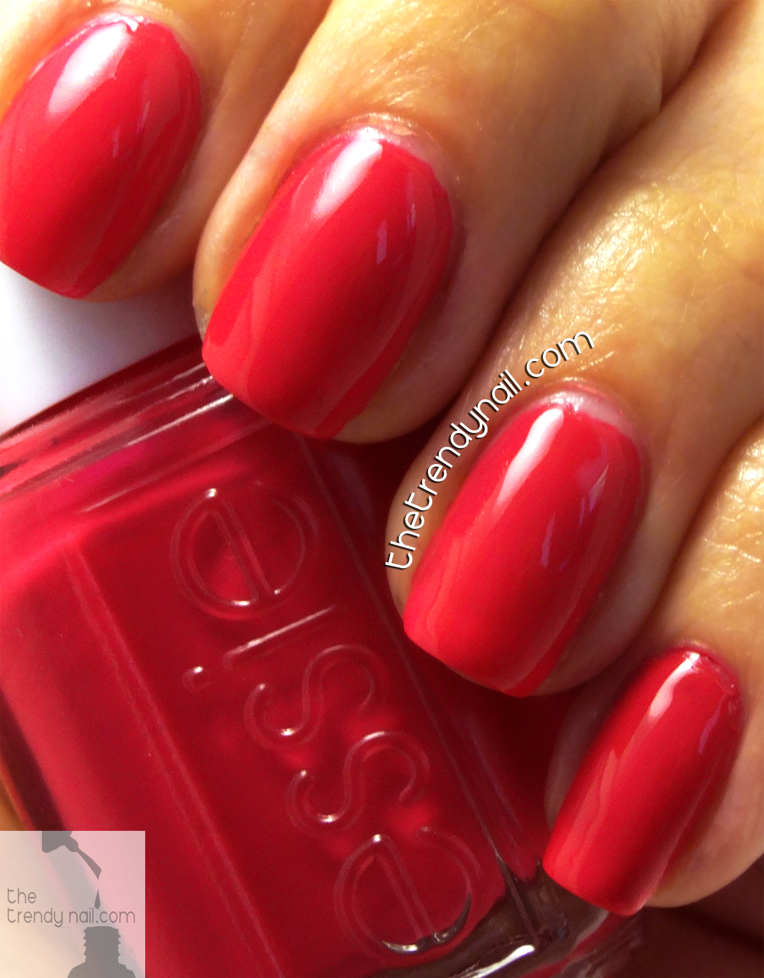 SUMMER CHERRY RED NAILS: STYLE HUNTER ESSIE - The Trendy Nail