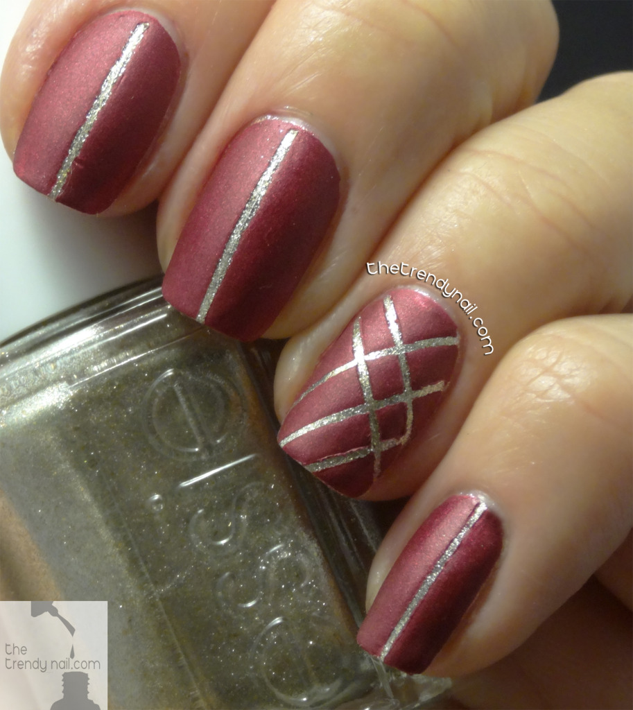 Jiggle-Hi-Jiggle-Low-Holiday-Nail-Art